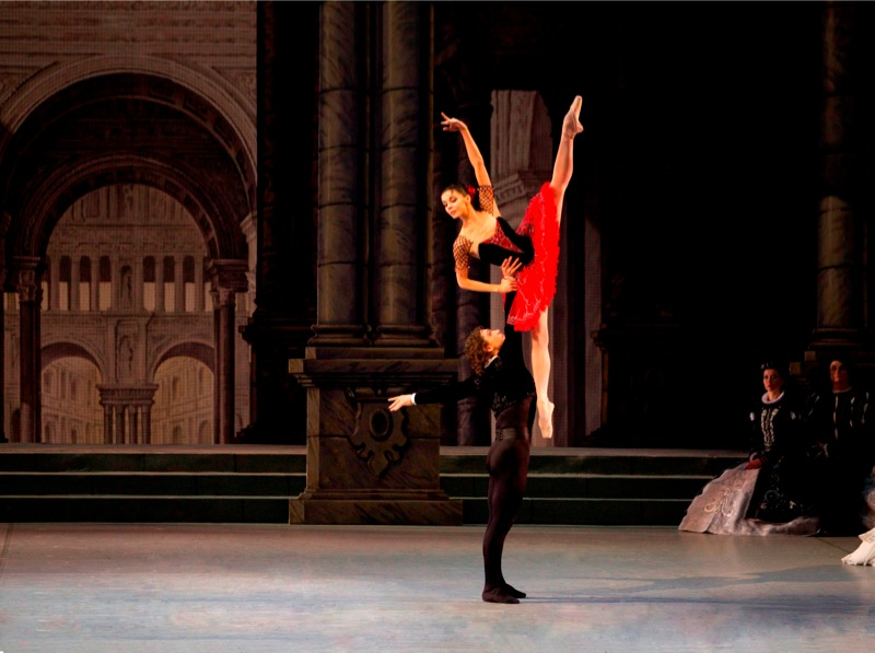 Osipova and Vasiliev, all images © Mikhailovsky Theatre