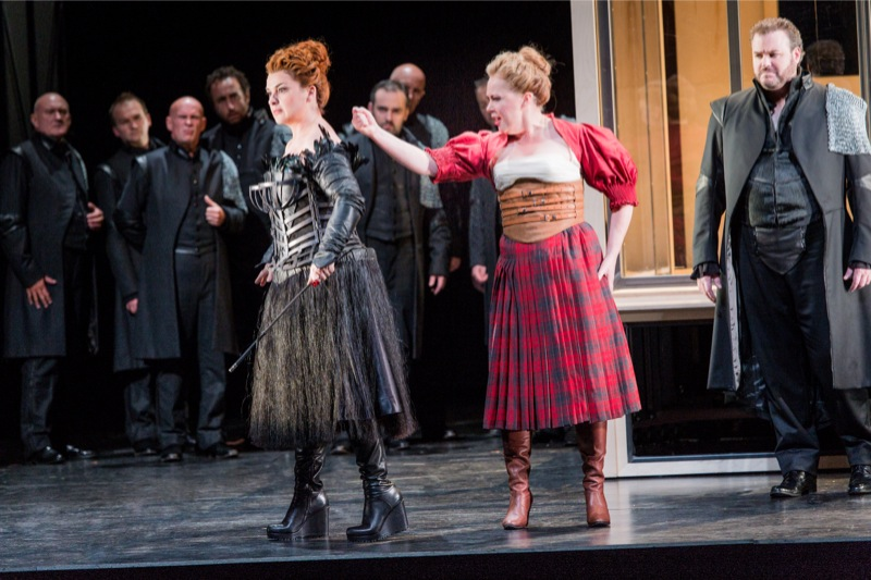 Elizabeth and Mary, all images WNO/ Robert Workman
