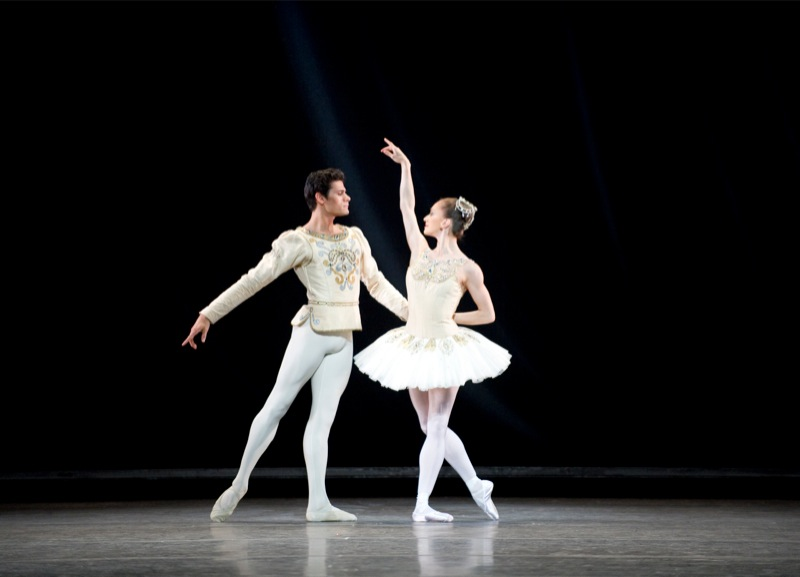 Soares and Nuñez in Diamonds, ©ROH
