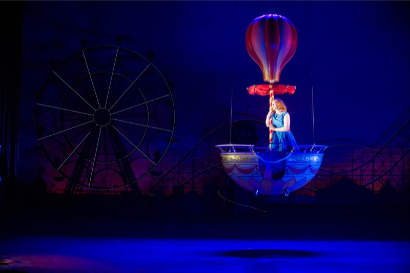 Fiordiligi in a balloon