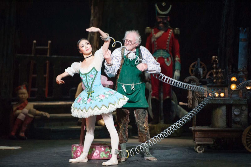 Swanilda's pretence as a doll with Dr. Coppélius
