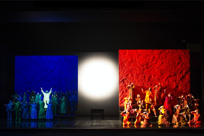 Hebrews and Egyptians, all images WNO/ Richard Hubert Smith