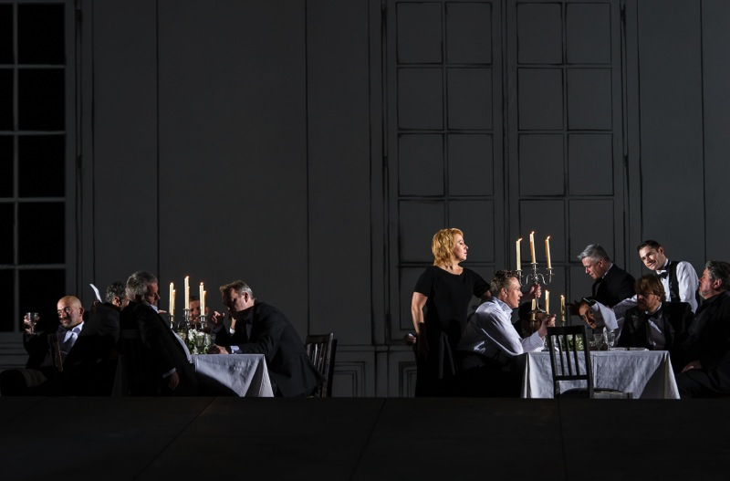 The shallow world behind the curtain, all images ROH/ Clive Barda