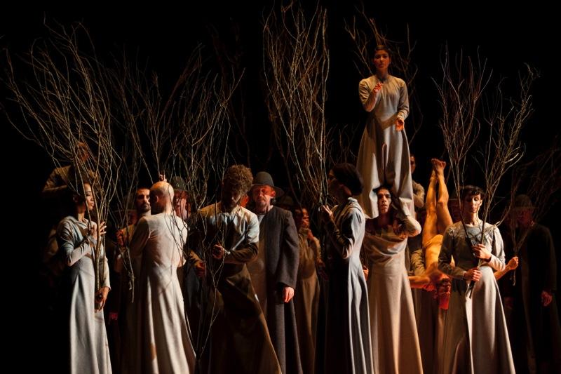 Dancers with returning Pilgrims