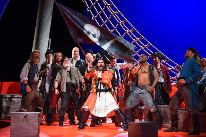 Pirates, all images ENO/ Tristram Kenton