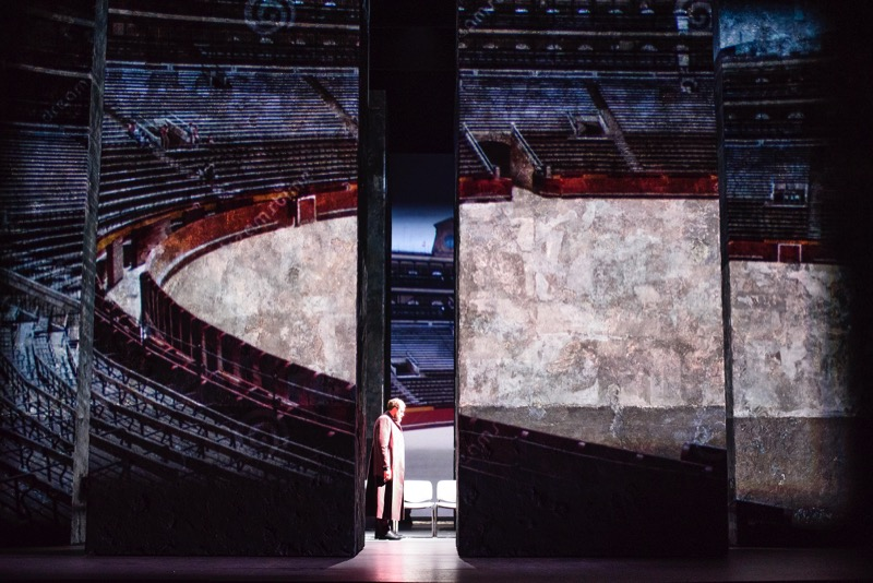 Projection of the arena for execution, all images GFO/ Tristram Kenton