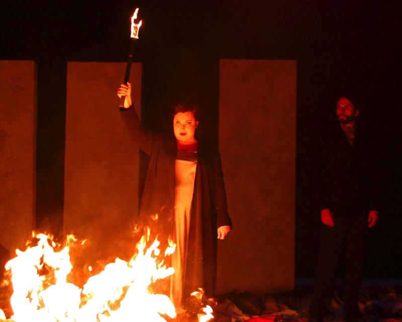 Abigaille as pyromaniac